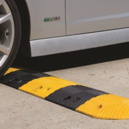 Medium Duty Rubber Speed Hump